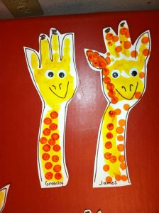 Giraffe-Handpint-craft-idea