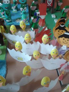 plastic spoon chick craft idea