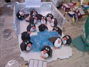 egg penguin craft idea for kids (2)