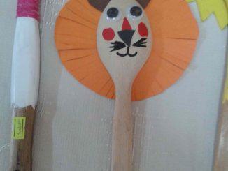 wooden spoon lion craft