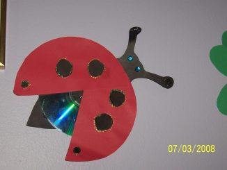 cd-ladybug-craft-idea