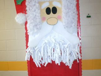 Classroom-Santa-Door-Decoration-idea