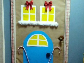 Gingerbread-house-door-decoration