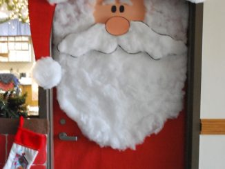 Santa-door-to-classroom