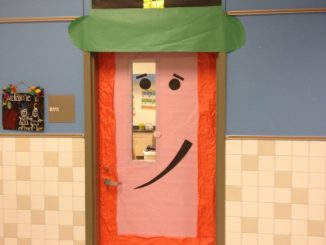 St-Patricks-day-door-decoration-for-the-classrooms