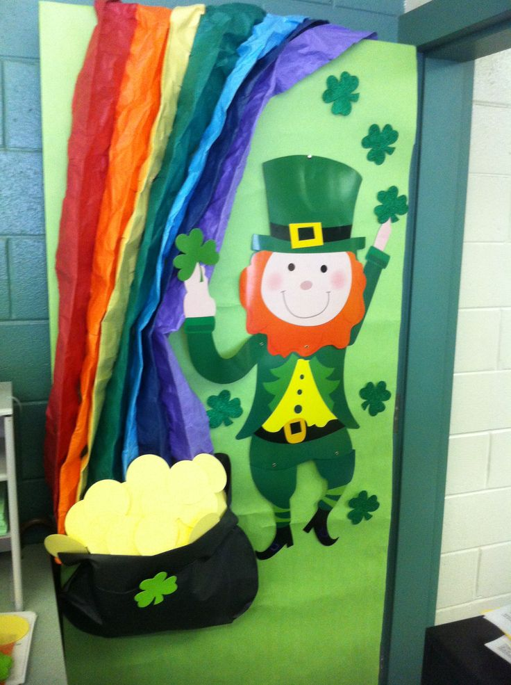 St.-Patrick-Day-door-decoration-idea