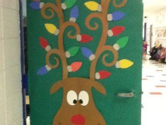 deer-Classroom-door-decoration