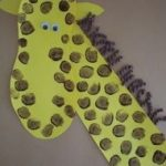 fingerprint-giraffe-craft-idea