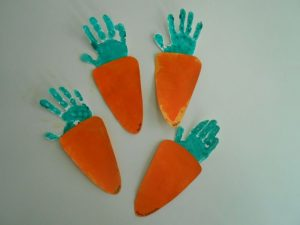 handprint-carrot-craft-idea