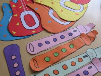 paper-guitar-craft-idea-for-kids