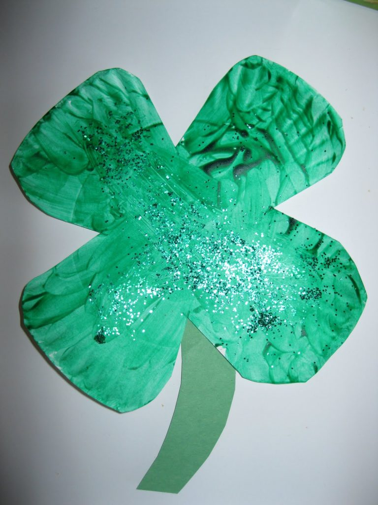 paper-plate-shamrock-craft-idea