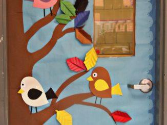 spring-classroom-door-decoration-idea