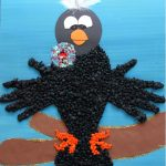 crow-bulletin-board-idea-for-kids