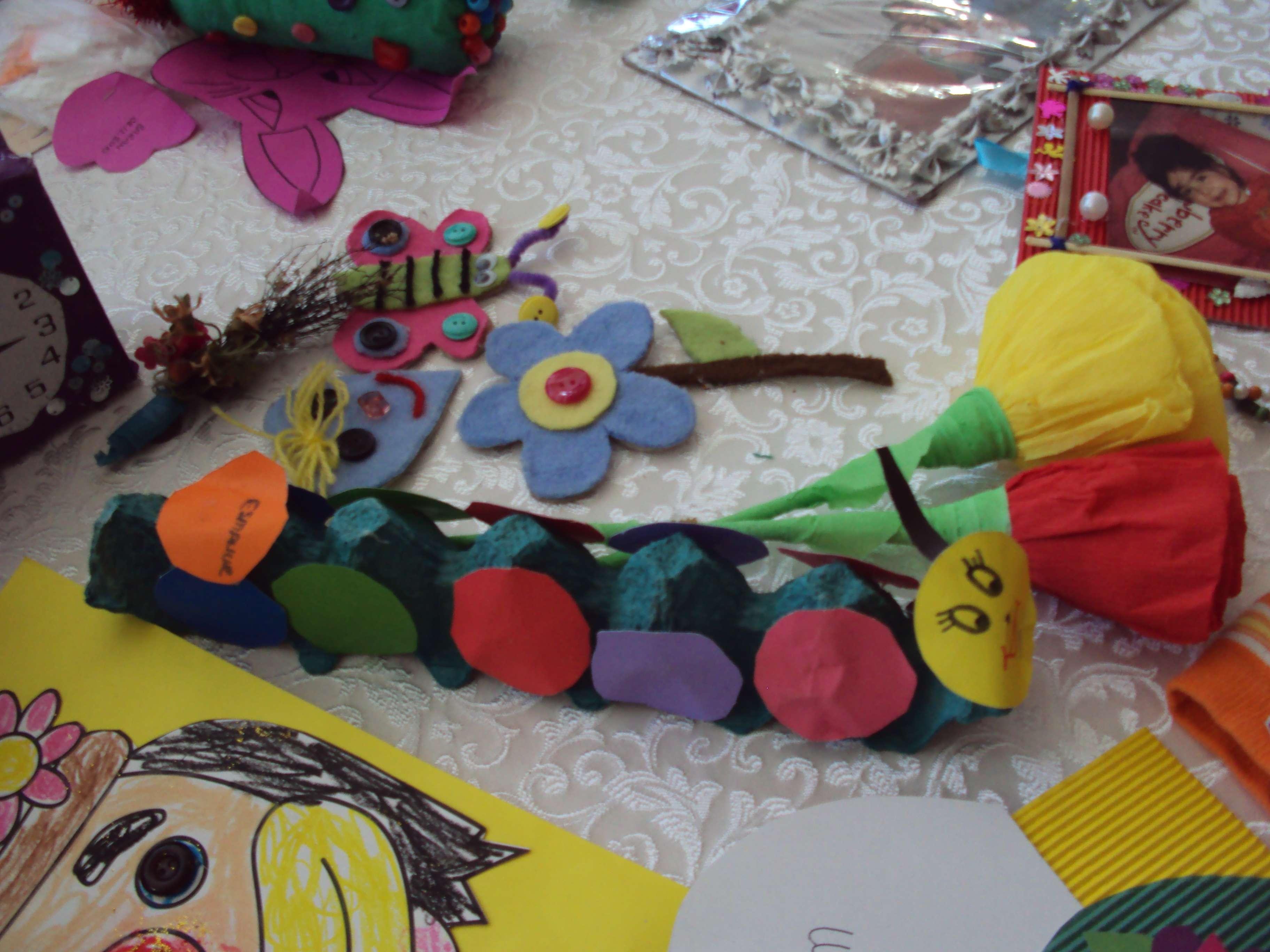 egg carton caterpillar craft idea for kids
