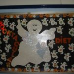 ghost-bulletin-board-idea-for-kids