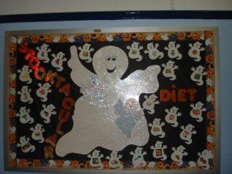 ghost-bulletin-board-idea-for-kids