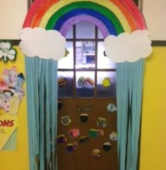 rainbow-door-decoration-idea