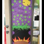 Halloween-classroom-door-decoration-idea