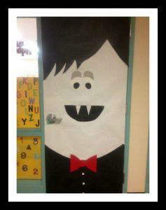 Vampire-classroom-door-decoration-idea