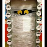 halloween-door-decoration-idea-for-kid