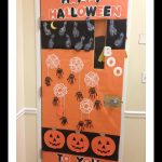 halloween-door-decoration-idea-for-kindergarten