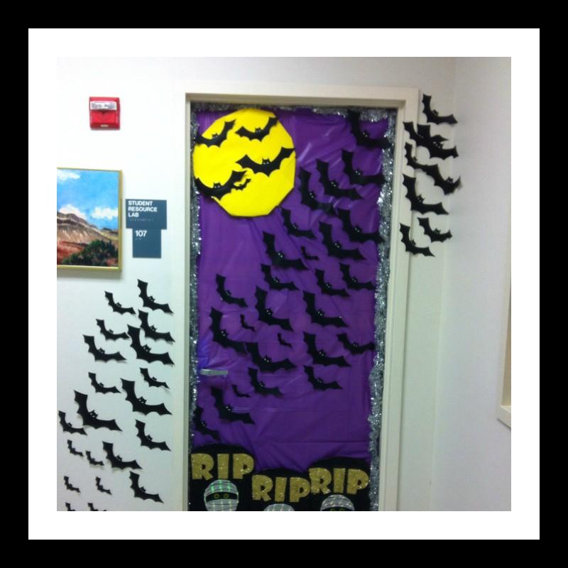halloween_door_decoration_idea