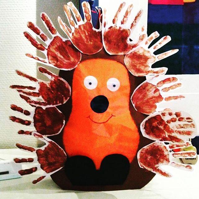 handprint hedgehog craft idea (1)