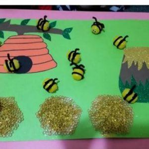 bee bulletin board idea